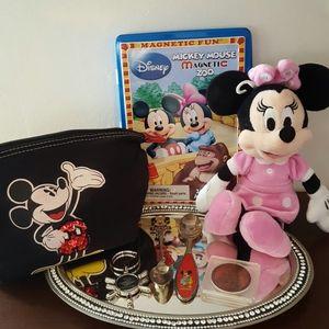 Other - Disney memorabilia collectable set